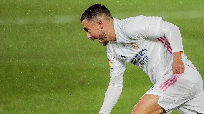 Real Madrids Eden Hazard in action during the Spanish La Liga soccer match between Real Madrid and Betis at the Alfredo di Stefano stadium in Madrid, Spain, Saturday, April 24, 2021. (AP Photo/Bernat Armangue)