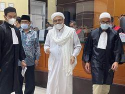 Hakim ke Habib Rizieq: Tujuan Teroris Ganti Dasar Negara, Kalau FPI?