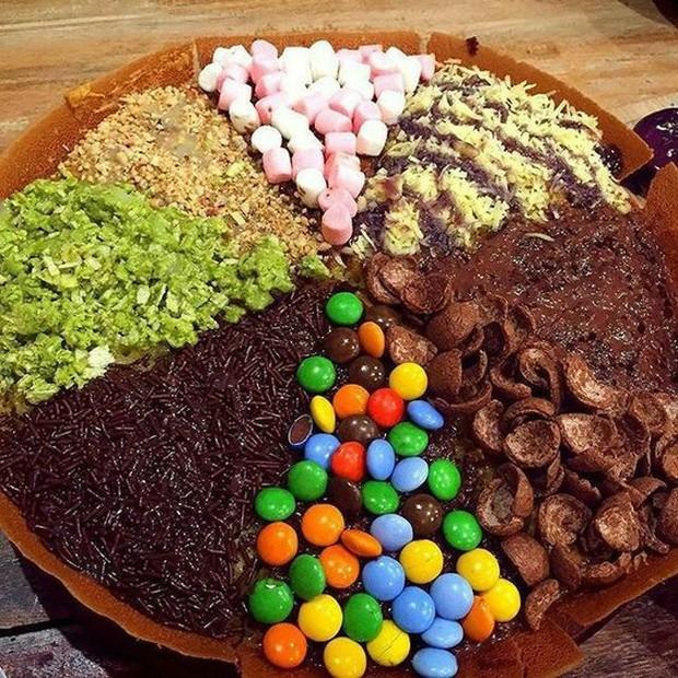Terakhir, makanan yang sering dijadikan menu takjil adalah makanan-makanan yang manis.