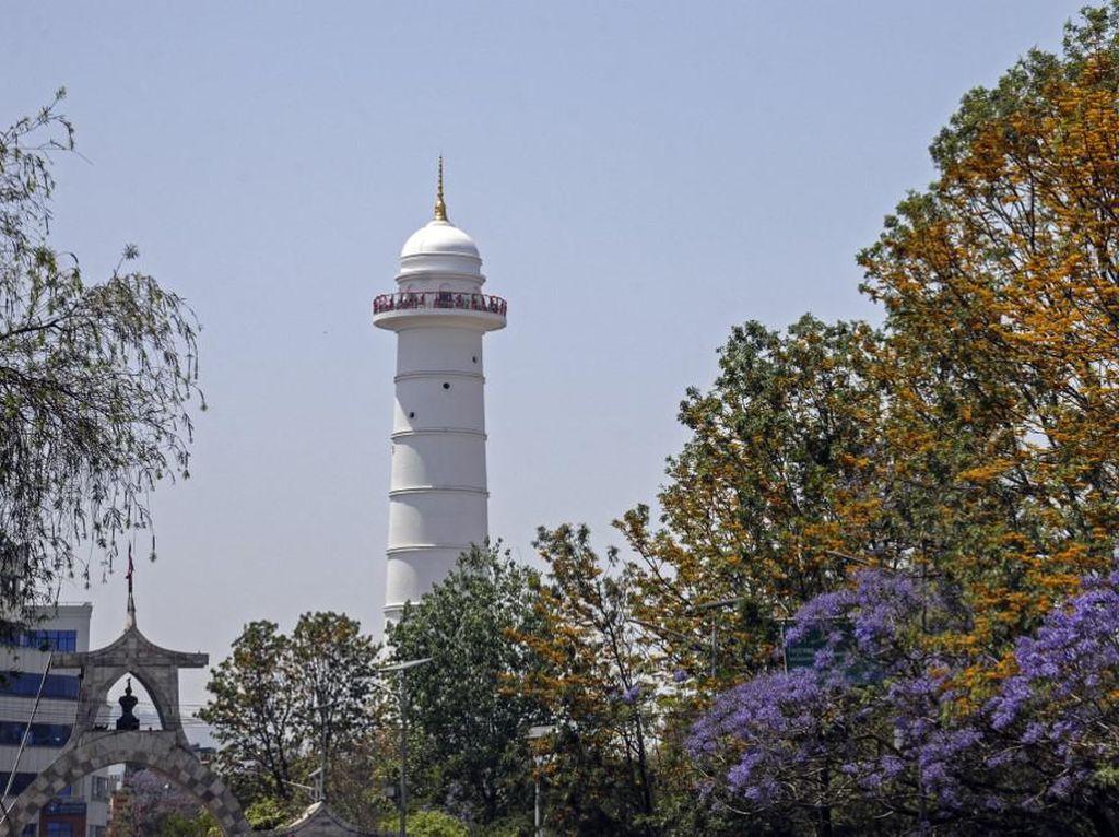 Hancur Akibat Gempa, Menara Dharahara Berdiri Menjulang Lagi