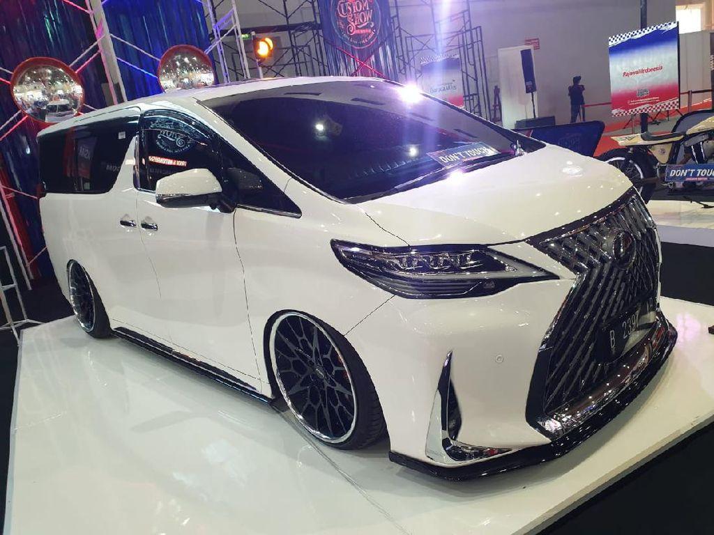 Modifikasi Toyota Alphard Ala Lexus LM 350, Mewah Banget