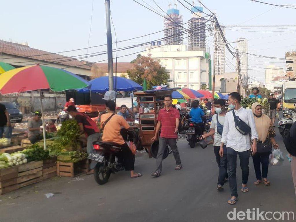 Tak Hanya Penjual, Pembeli Juga Berharap Pasar Kambing Segera Diperbaiki