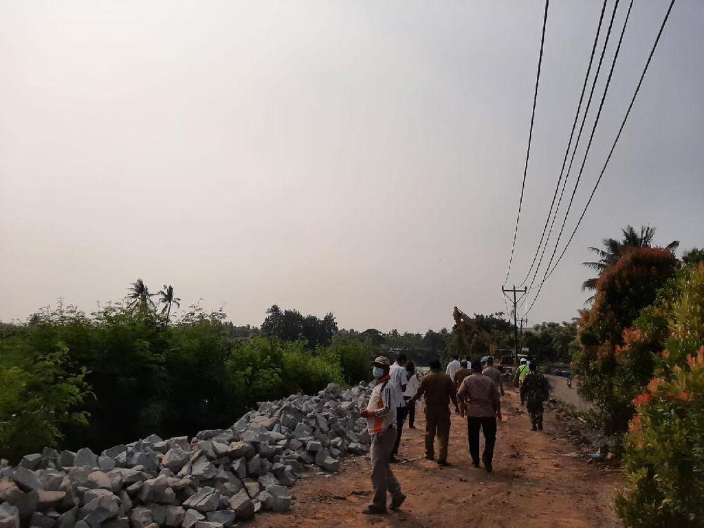 Longsor Jl Tanjung Burung Kabupaten Tangerang Mulai Diperbaiki