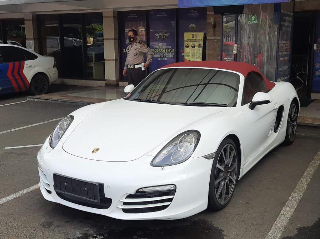 Alasan Polisi Sita Porsche Penerobos Busway: Agar Ada Efek Jera