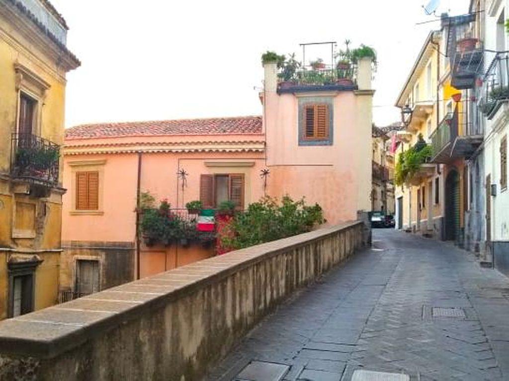 Rumah-rumah di Kota Ini Dijual Seharga 1 Euro