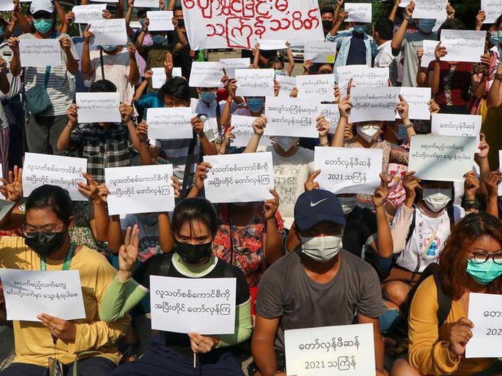 Tuntut Pembebasan Tahanan Politik, Aktivis Myanmar Kritik Hasil KTT ASEAN