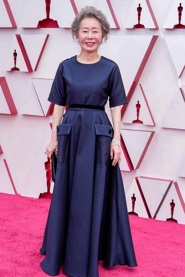 Yuh Jung Young saat di karpet merah Piala Oscars.