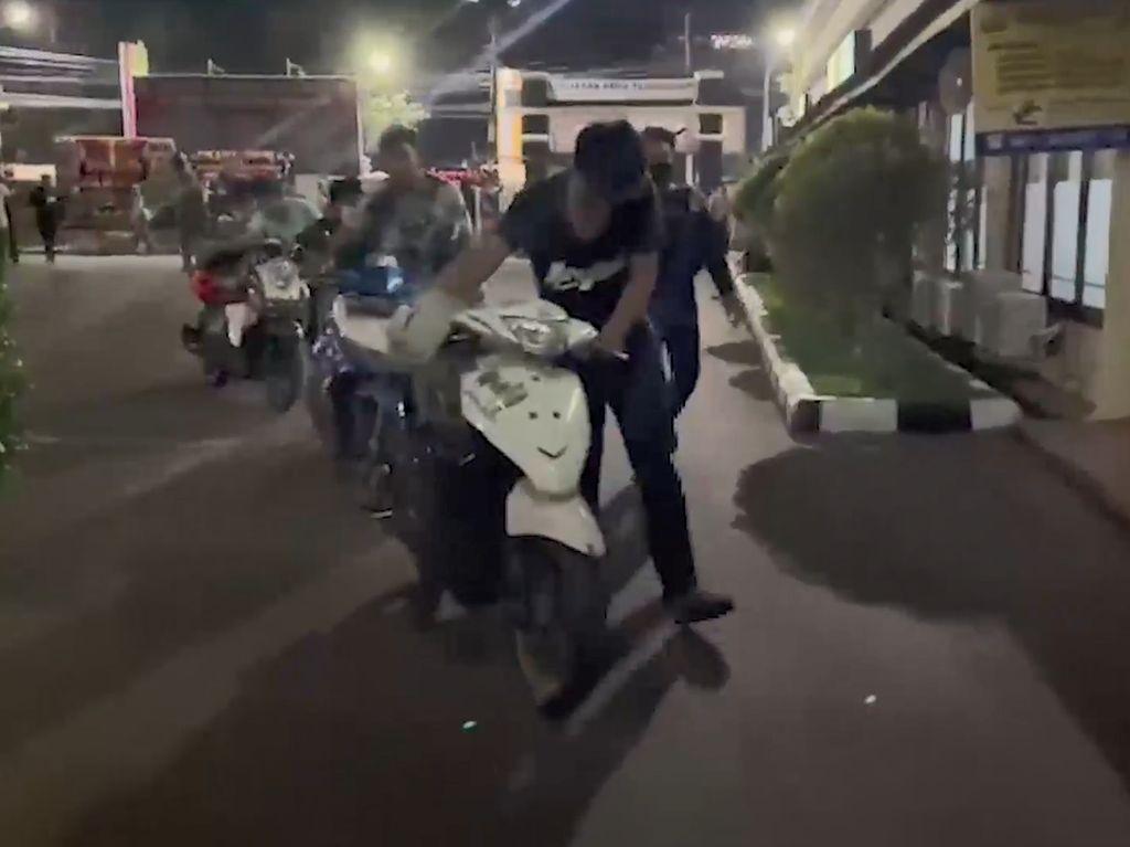 6 Pelaku Balap Liar-Freestyle Motor di Makassar Ditangkap