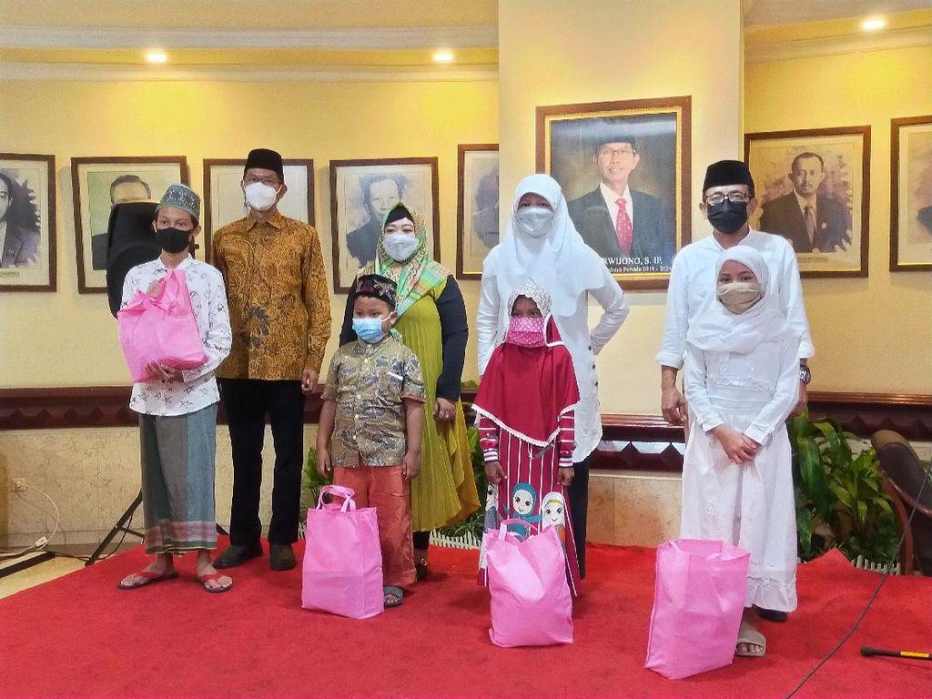 Momen Ramadhan, DPRD Kota Surabaya Berbagi Bersama Anak Yatim Piatu