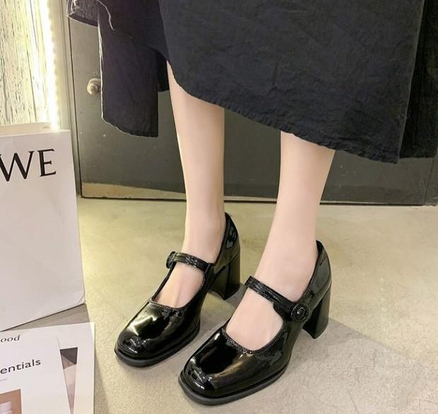 Model Sepatu untuk Kaki Lebar