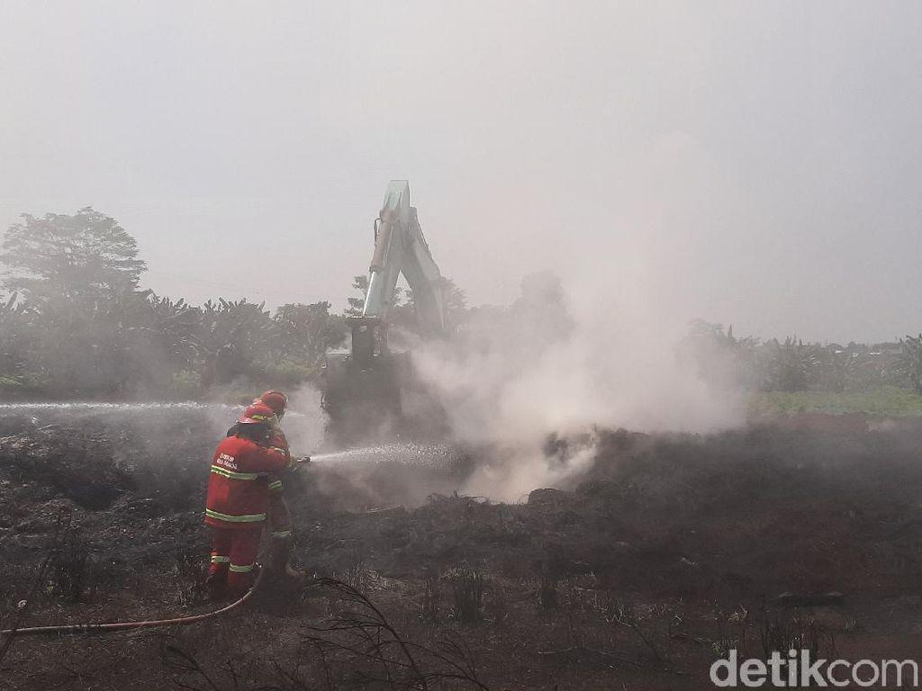 9 Hari Asap Kebakaran di Gunungputri Bikin Warga Sesak Napas