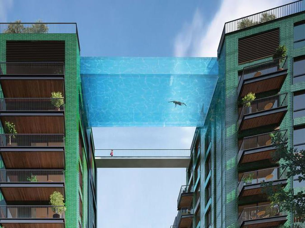 Berenang di Kolam Renang Transparan Ini Serasa Terbang di Atas London