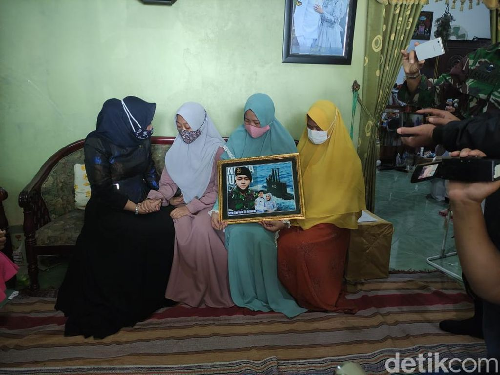 Sedih, Kru KRI Nanggala-402 Asal Sidoarjo Tinggalkan Istri Hamil 5 Bulan