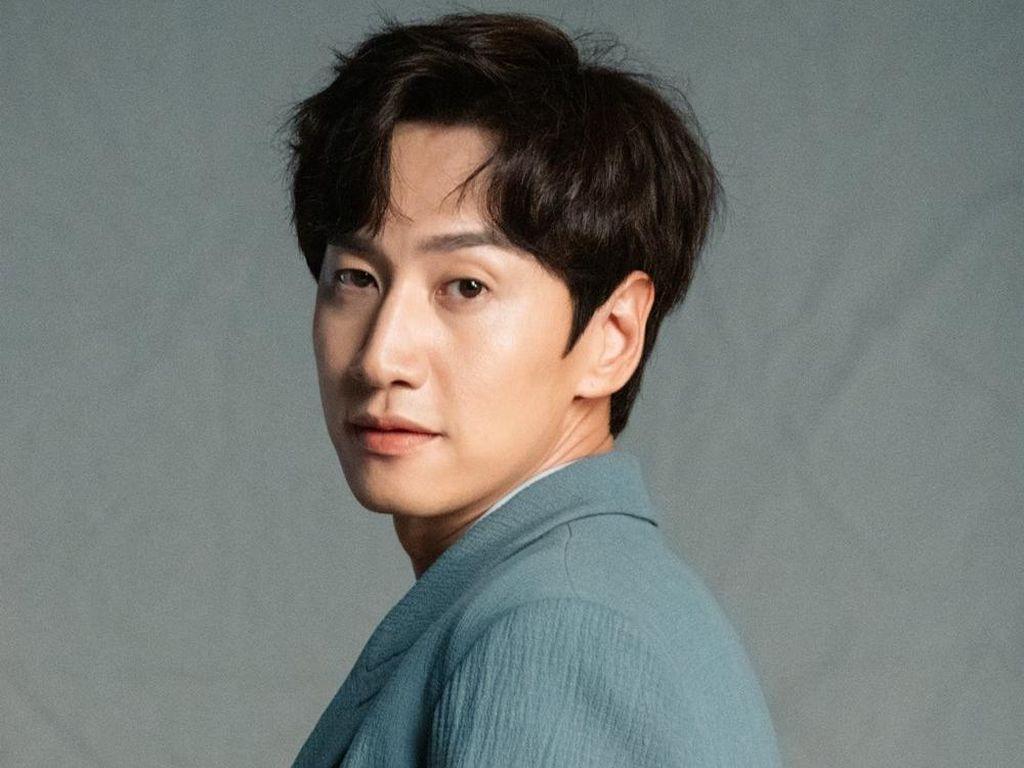 Lee Kwang Soo Resmi Tinggalkan Running Man Setelah 11 Tahun