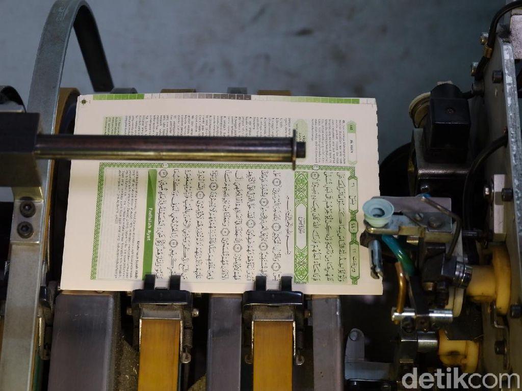 Menilik di Balik Layar Pembuatan Mushaf Al-Quran Bandung