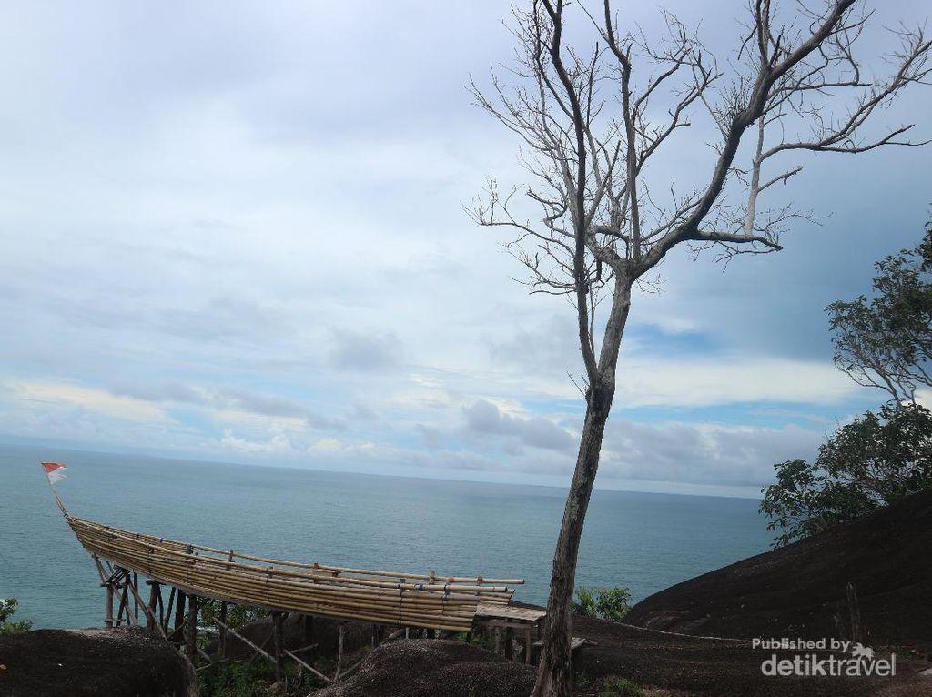 Pala Hill, Bukit Indah yang Tersembunyi di Bangka Barat