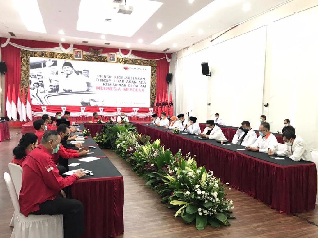 Saat PKS dan PDIP Bertemu Tanpa Kehadiran Megawati-Syaikhu