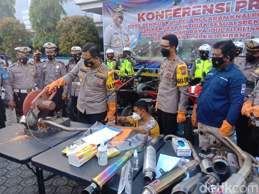 Ganggu Ibadah Ramadhan, 115 Knalpot Brong Dimusnahkan di Jombang