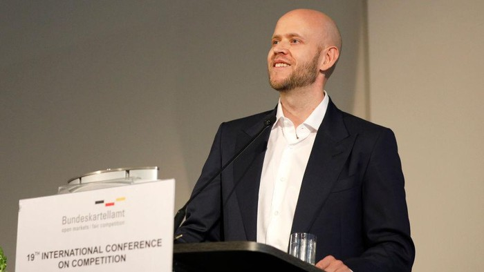 BERLIN, GERMANY - MARCH 14: Spotify founder Daniel Ek speaks at the 19th International Conference on Competition at Steigenberger Hotel am Kanzleramt on March 14, 2019 in Berlin, Germany. Ek discussed how fair competition enables consumers and innovators to win. (Photo by Sebastian Reuter/Getty Images for Spotify)