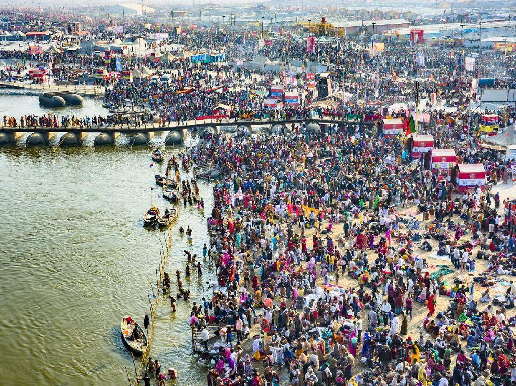 Zona Merah Tambah 3x Lipat-Masih Ada Festival Mandi Massal di India