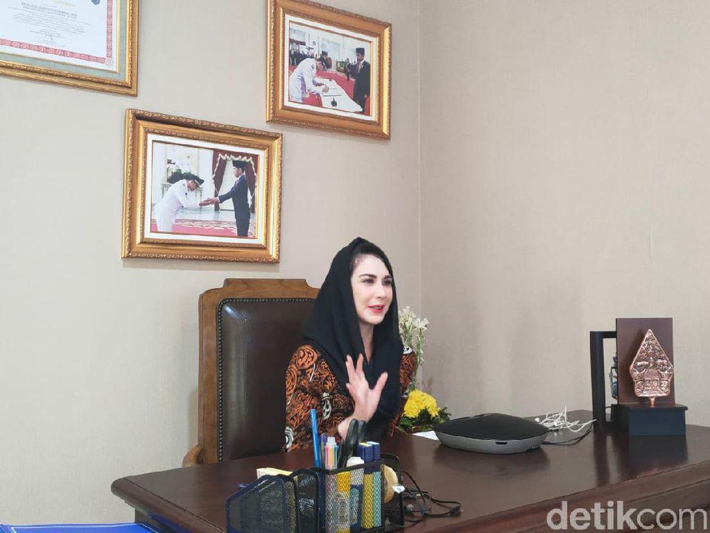 Jadi Istri Wagub Jawa Timur, Hidup Arumi Bachsin Lebih Berwarna