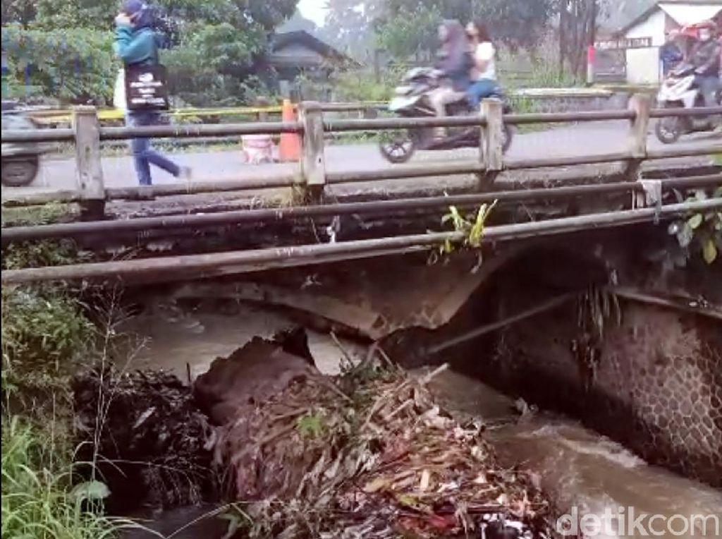 Jembatan Penghubung 2 Kecamatan di Sukabumi Rusak, Akses Jalan Teranggu