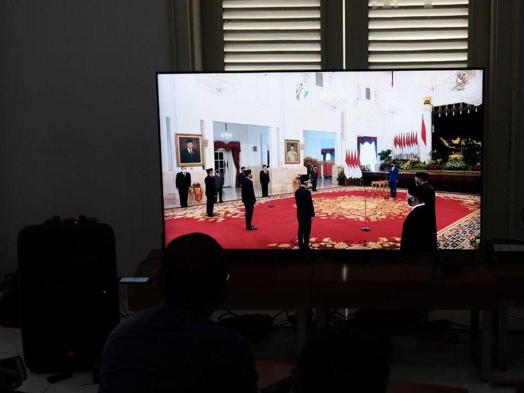 Jokowi Resmi Lantik Mendikbud-Ristek Nadiem dan Menteri Investasi Bahlil