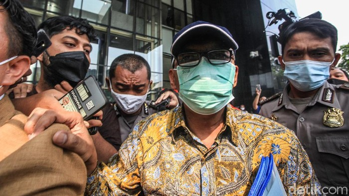 Mantan pejabat Ditjen Kemenkeu Angin Prayitno Aji, diperiksa KPK terkait kasus dugaan suap pengurusan pajak di Ditjen Pajak.