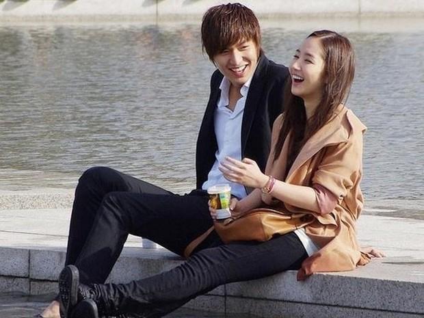 Potret kedua bintang ternama Korea Selatan saat menghabiskan waktu berdua.