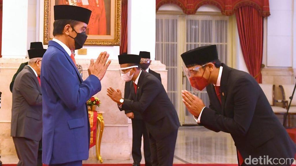 Momen Jokowi Lantik Nadiem Makarim dan Bahlil Lahadalia