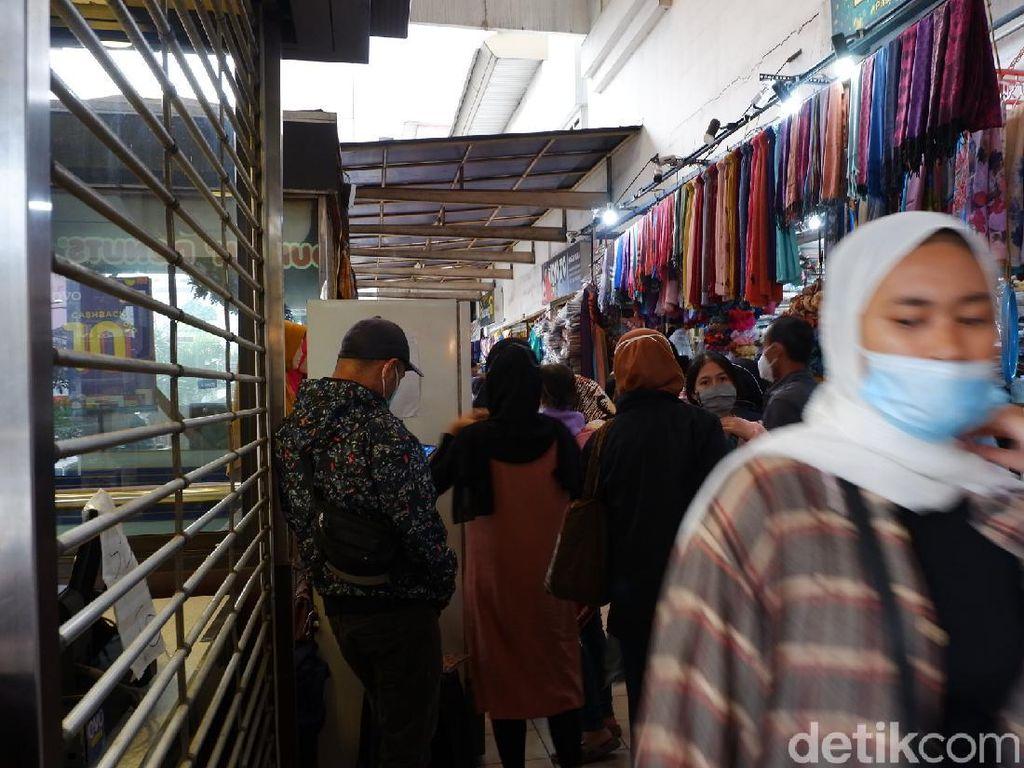 Jelang Lebaran, Kunjungan ke Pasar Baru Bandung Naik 10 Kali Lipat