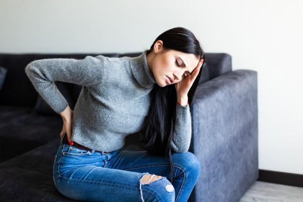 Tubuh nyeri dan pegal-pegal juga bisa menjadi tanda bahwa ususmu kotor.