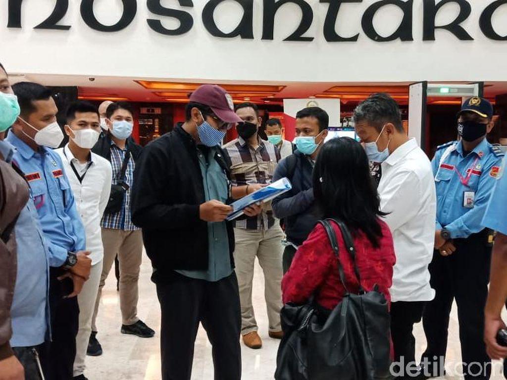 KPK Geledah Ruang Azis Syamsuddin Terkait Kasus Suap Penyidik AKP Robin