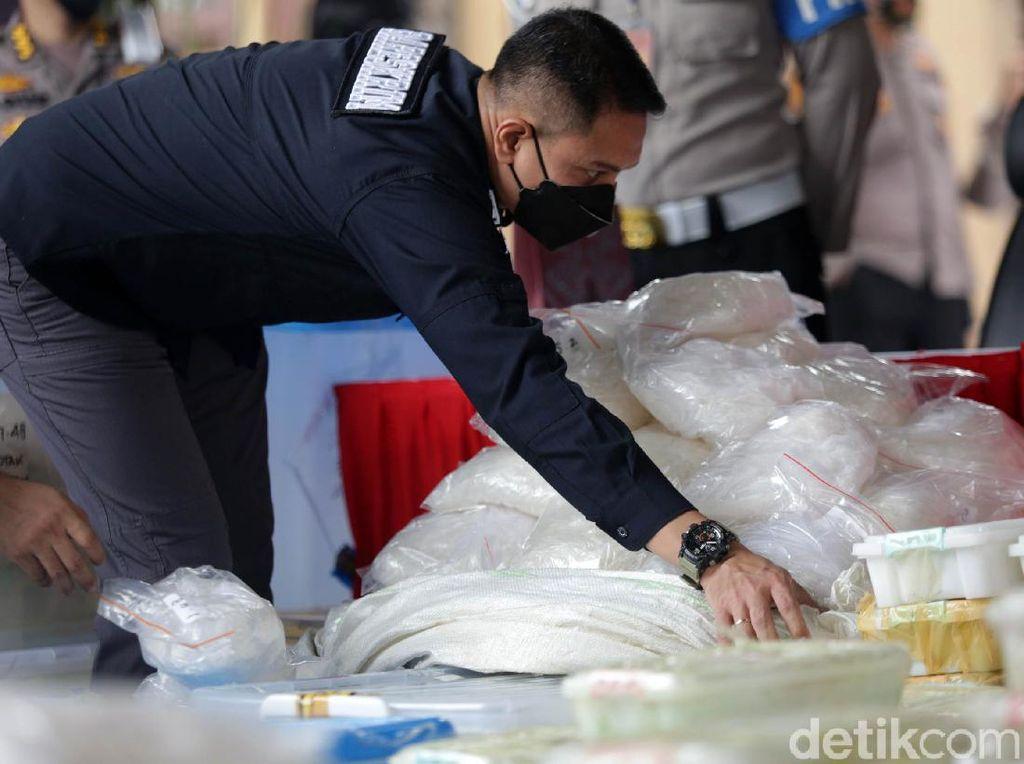 Sabu 2,5 Ton Dikirim dari Afganistan, Jaringan Dikendalikan dari Lapas