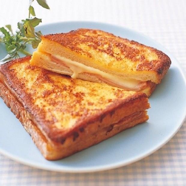 Mengolah roti tawar menjadi roti bakar bisa menjadi pilihan paling mengenyangkan sebagai santapan sahur.