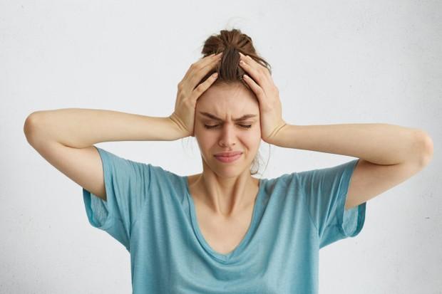 Menurut sebuah studi tahun 2005 dalam American Journal of Obstetrics and Gynecology, menemukan bahwa sekitar 10% pengguna merasa pusing dalam waktu satu bulan setelah konsumsi pil.