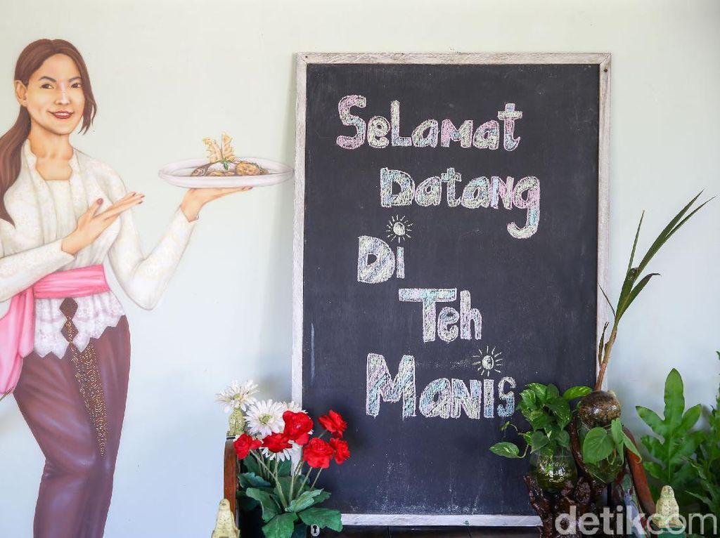 Menjajal Masakan Rumahan di Warteg ala Tamara Bleszynski