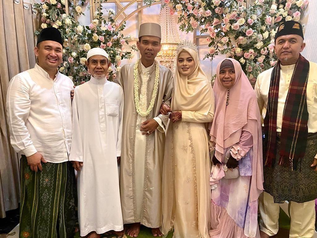 UAS dan Fatimah Az Zahra Resmi Menikah!