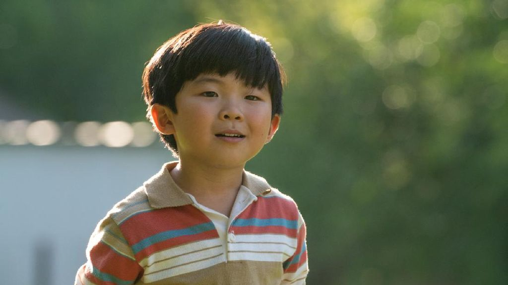 10 Potret Alan Kim, Bintang Minari Curi Perhatian di Red Carpet Oscar 2021