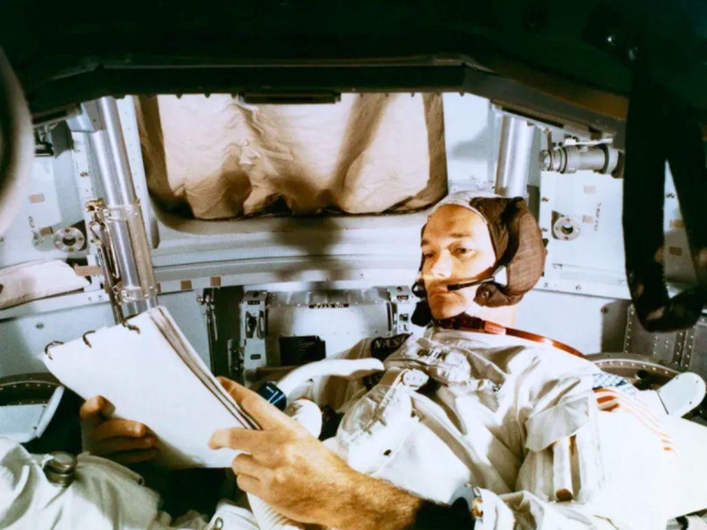 Astronaut Legendaris Apollo 11 Michael Collins Tutup Usia