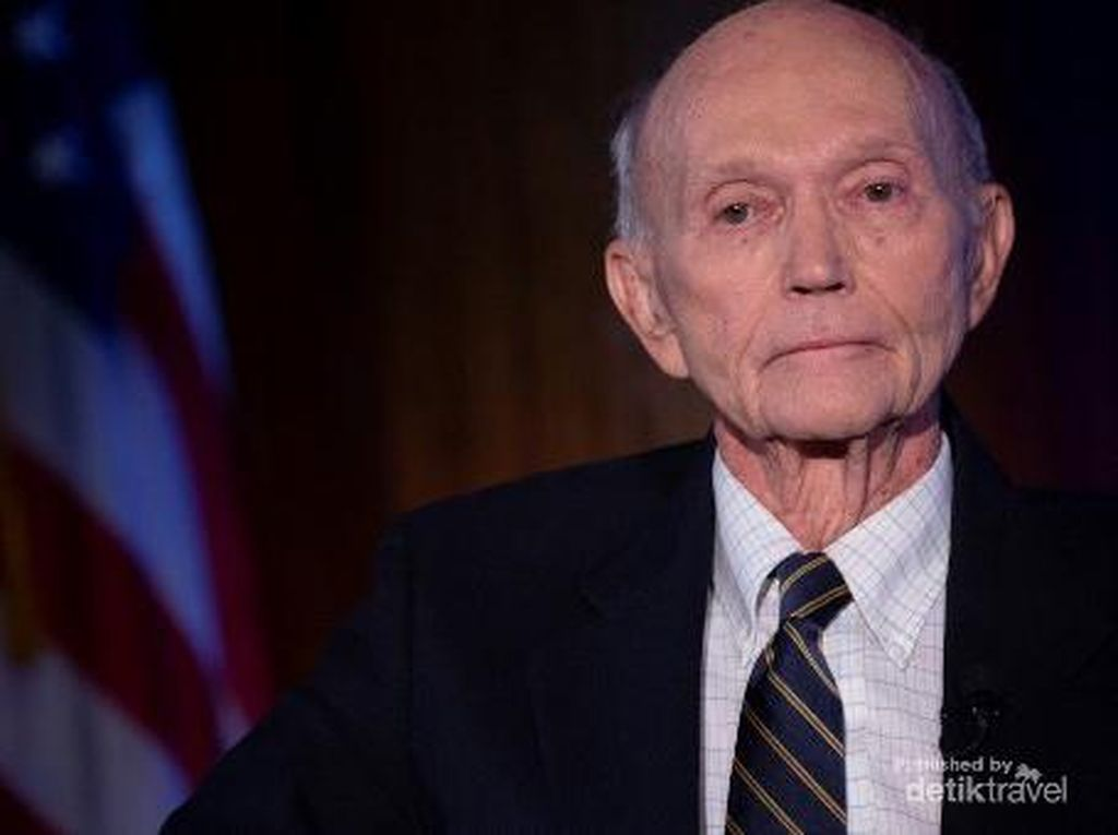 Astronot AS Rekan Neil Amstrong, Michael Collins Meninggal Dunia