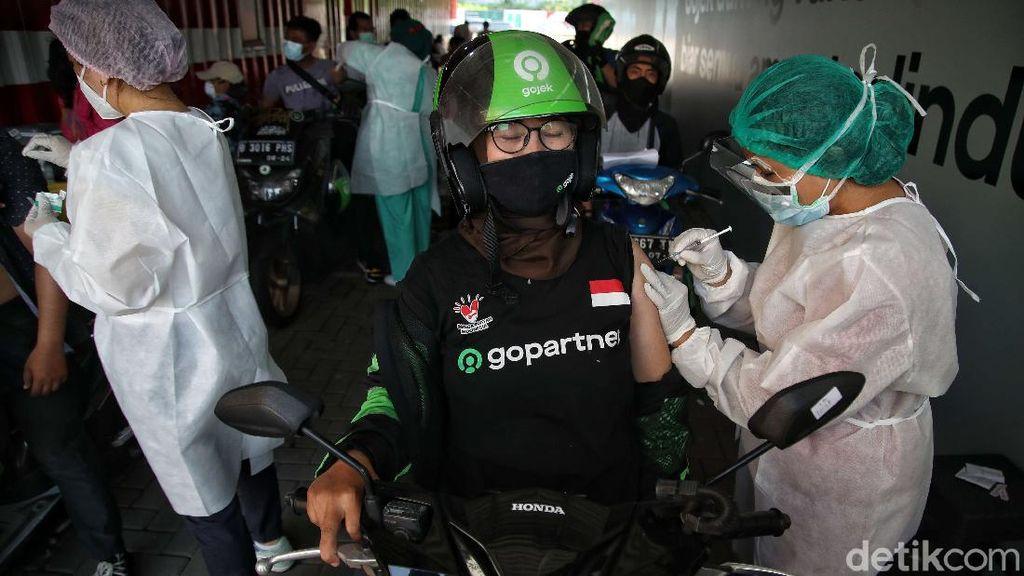 Giliran Pengemudi Ojek Online di Jakarta Ikut Vaksin Corona