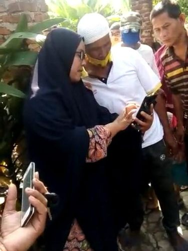 Ibu ini viral di tengah heboh isu babi ngepet di Depok