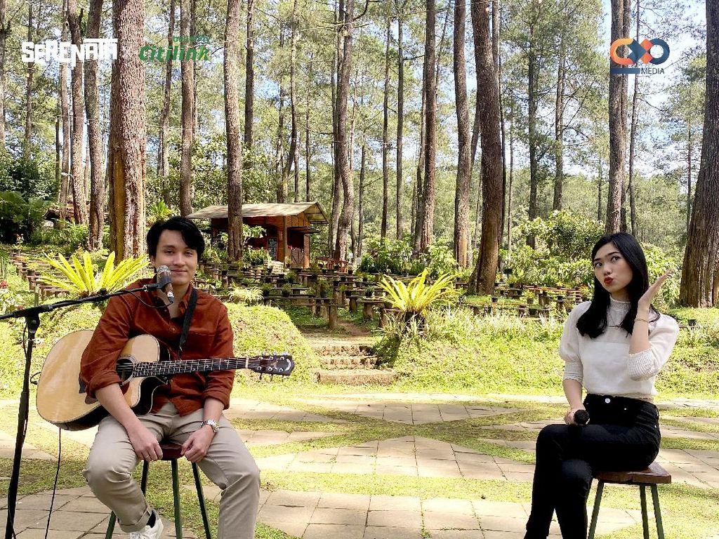 Intip Cerita di Balik Single Baru 1+1 Milik Isyana Sarasvati & Suami