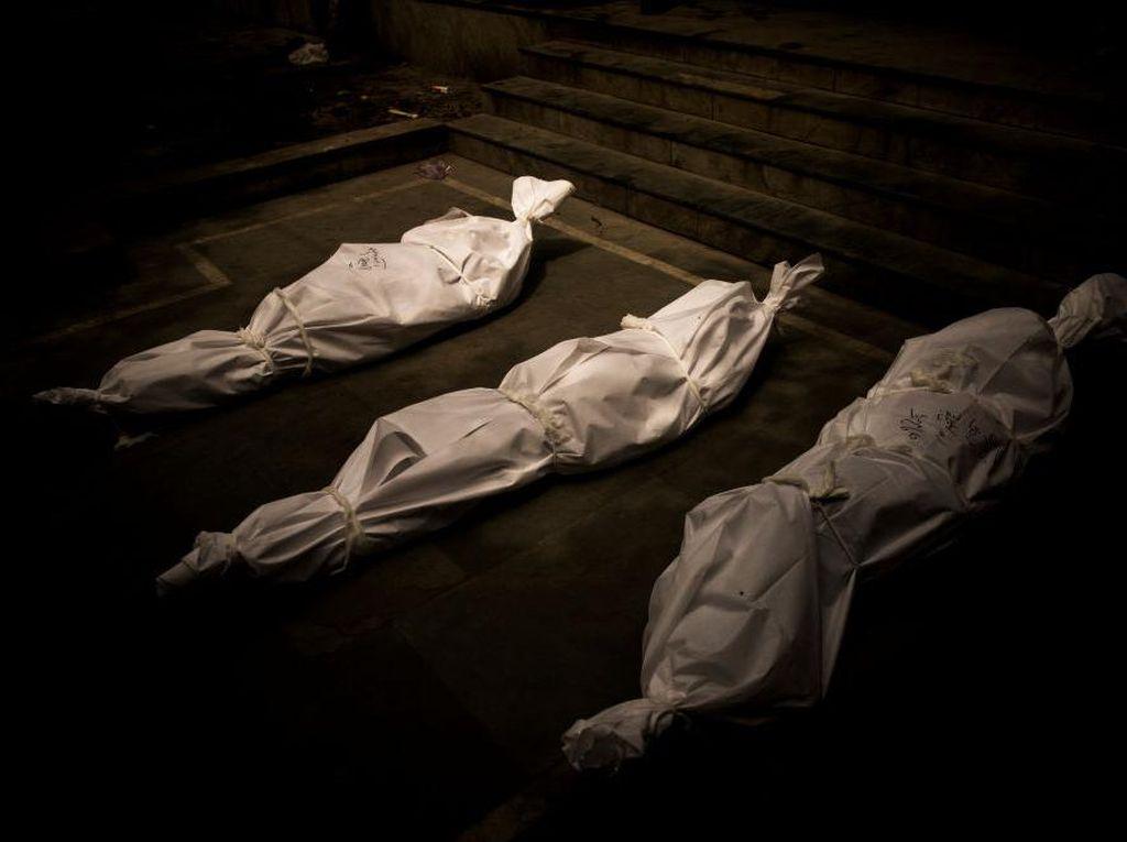 Kisah Pilu Pria India Gendong Jenazah Istrinya ke Pemakaman Sejauh 3,2 Km