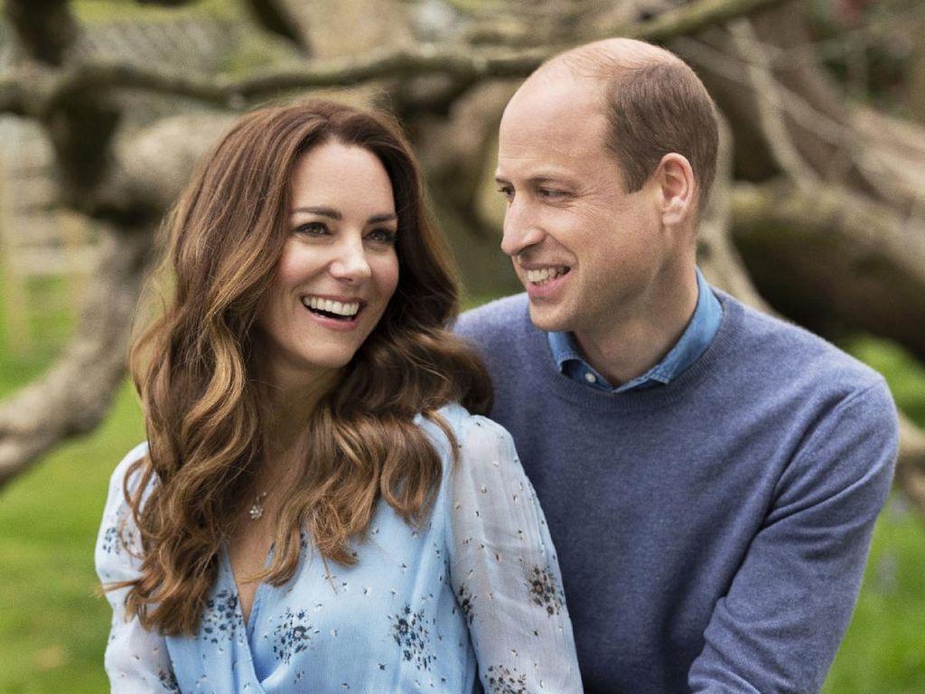 Menawan di Foto Anniversary, Kate Middleton Ternyata Pakai Baju Daur Ulang