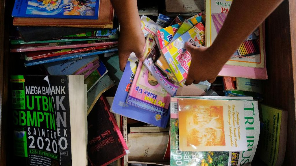 Perpustakaan Desa Jadi Obat Rindu Sekolah Tatap Muka