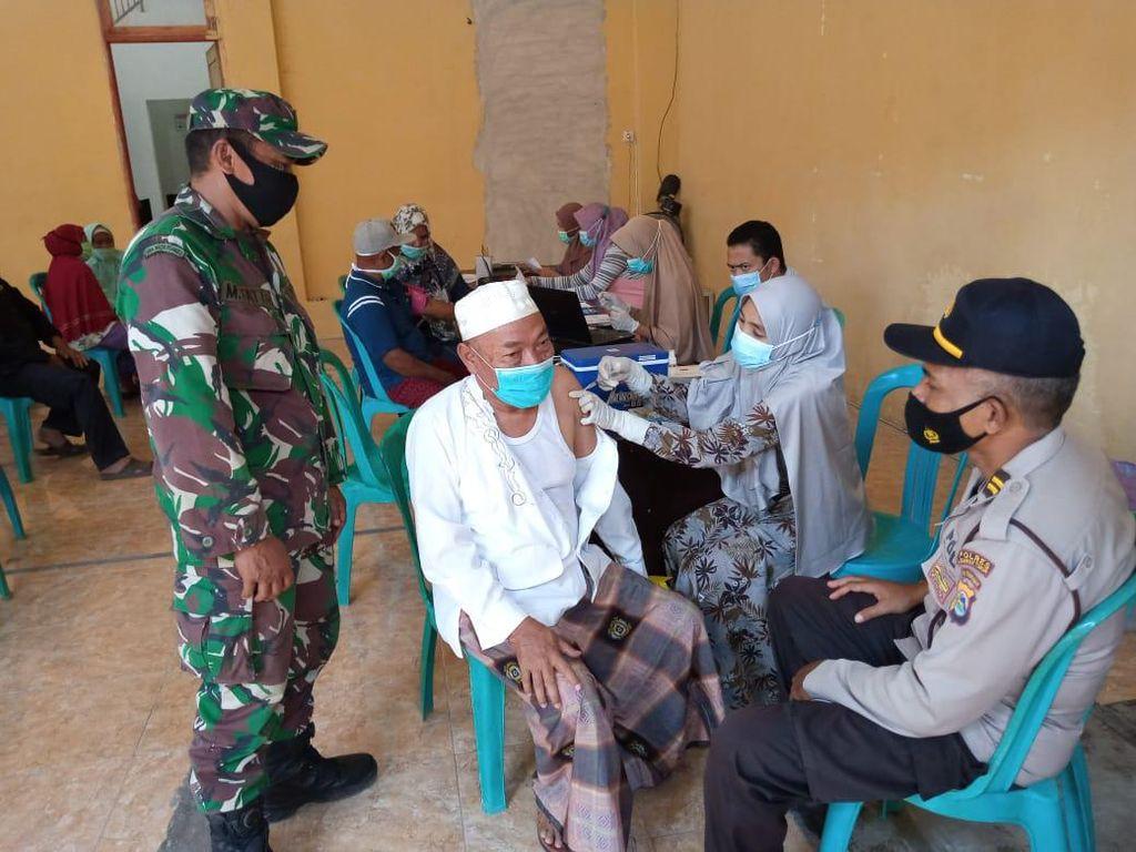 Capai 123,3%, Vaksinasi Lansia di Lombok Timur Lampaui Target
