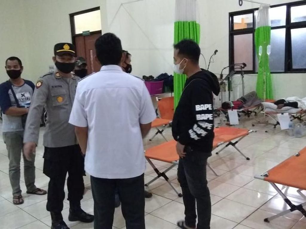 Polisi Ambil Sampel Makanan Penyebab Keracunan Massal di Magetan