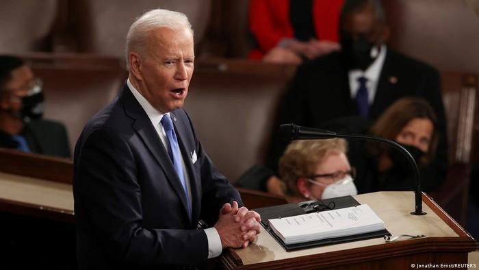 Tandai 100 Hari Pertama Menjabat, Joe Biden Bertekad Bawa Amerika Bangkit Kembali